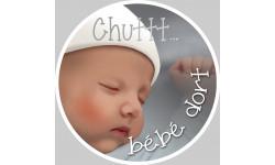 Chuttt bébé dort